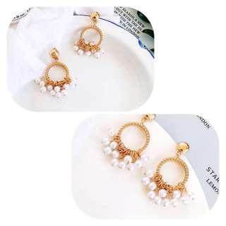 (6002M) medium gold hoop with pearls