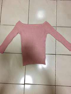 Long sleeve stretchable crop top- pink (pwede off shoulder)