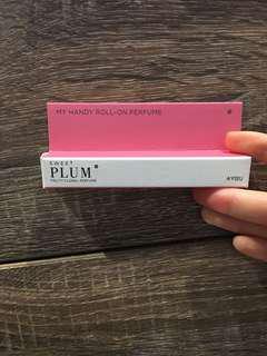 Apieu my handy roll on perfume (plum)