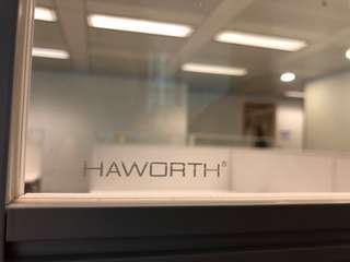 Haworth 辦公室工作枱