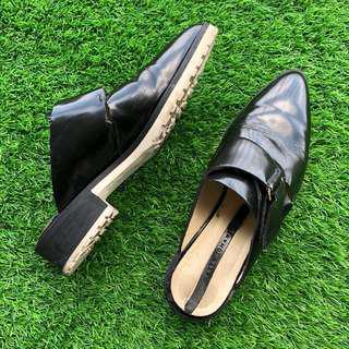 Zara Woman Black & White Pointed Tip Flats
