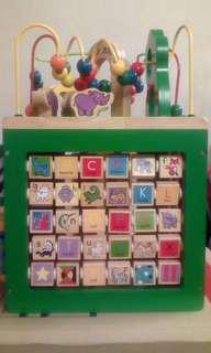 Wooden puzzle zoo