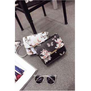 🚚 💕new arrival 💕in stock💕shoulder bag [Free Shipping] Floral Sling Bag