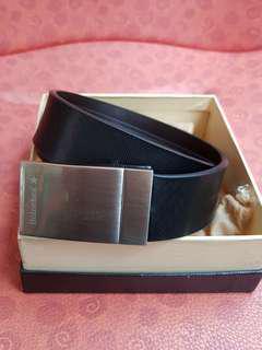 Brand new men's vintage genuine leather dress black belt from Heineken, gurranteed never used before. Vintage and Original Heineken gift box, dust bag included, (1 pc only ) cheapest sale