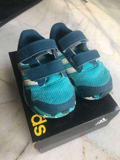 Preloved; adidas kids shoe (original)