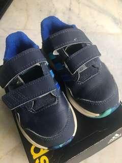 Preloved adidas kids shoe.