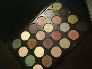 JCat Eyeshadow Palette  Santa Monica  J.Cat