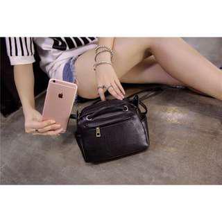 🚚 💕new arrival 💕in stock💕shoulder bag [Free Shipping] Black Sling Bag