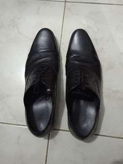 Black Pantofel
