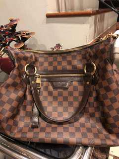 LV Evora Damier MM Limited 100% Authentic with serial code in bag and original receipt bought above $2k