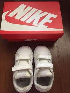 Nike baby / toddler