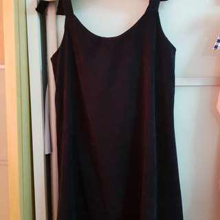 Self-tied sleeveless dress
