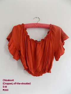 Chicabooti off-the-shoulder top