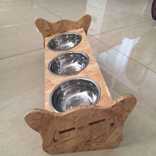 (New!) pet bowl tilted wood