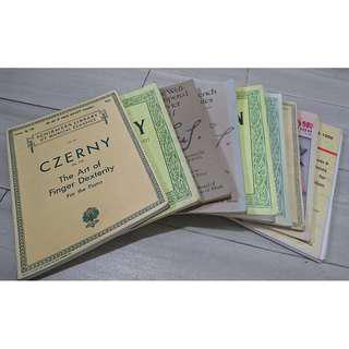 二手琴書(古典鋼琴必用) Second-hand piano books (Classical music essentials)