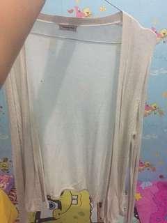 Cardigan putih panjang