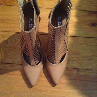 Tan Boots/heels