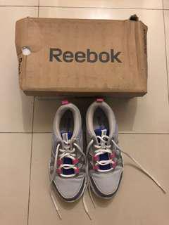 Reebok size 36 woman training