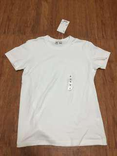 UNIQLO Crew Neck T-Shirt (White)