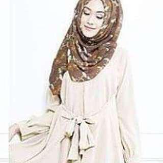 Raisa blouse by vanilla hijab