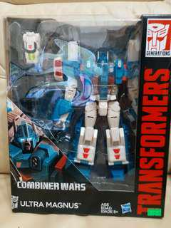 變形金剛 Transformers combiner wars ultra magnus