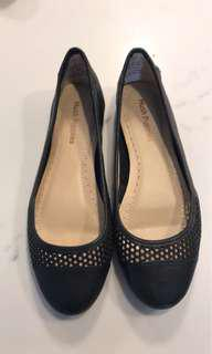Hush Puppies flats