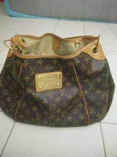 Louis Vuitton Handbag (Authentic)