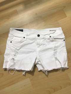 White jeans hotpants