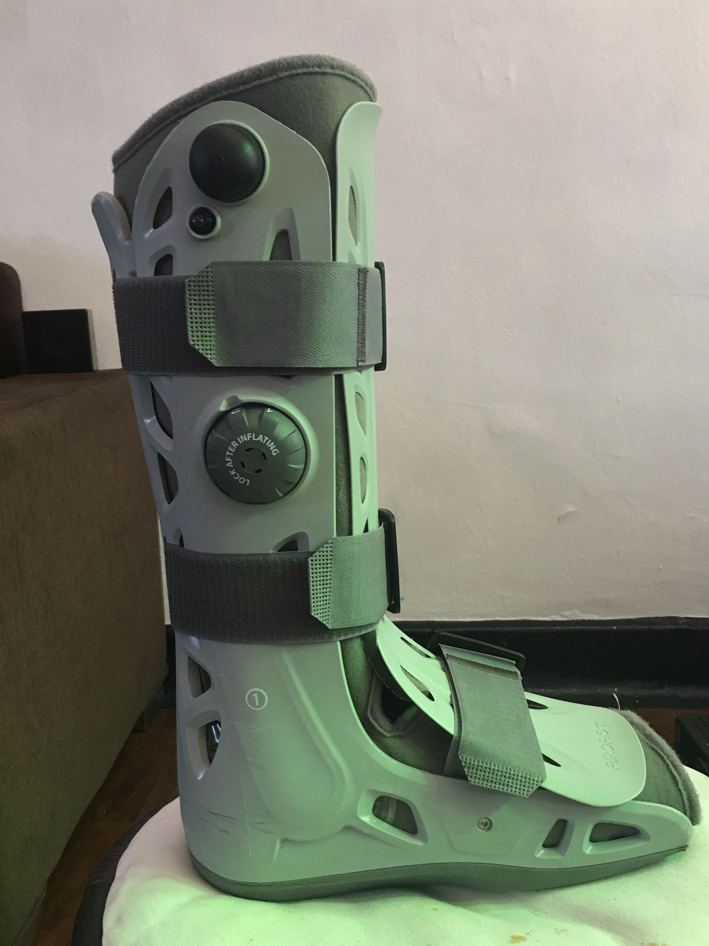 promo code eb365 71858 Aircast Medical Boot, Everything Else on Carousell