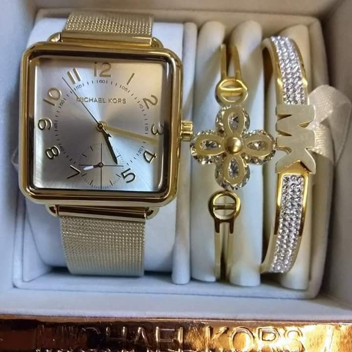48cb05b8e385 Authentic Michael Kors Brenner Square Band With 2 Bangles