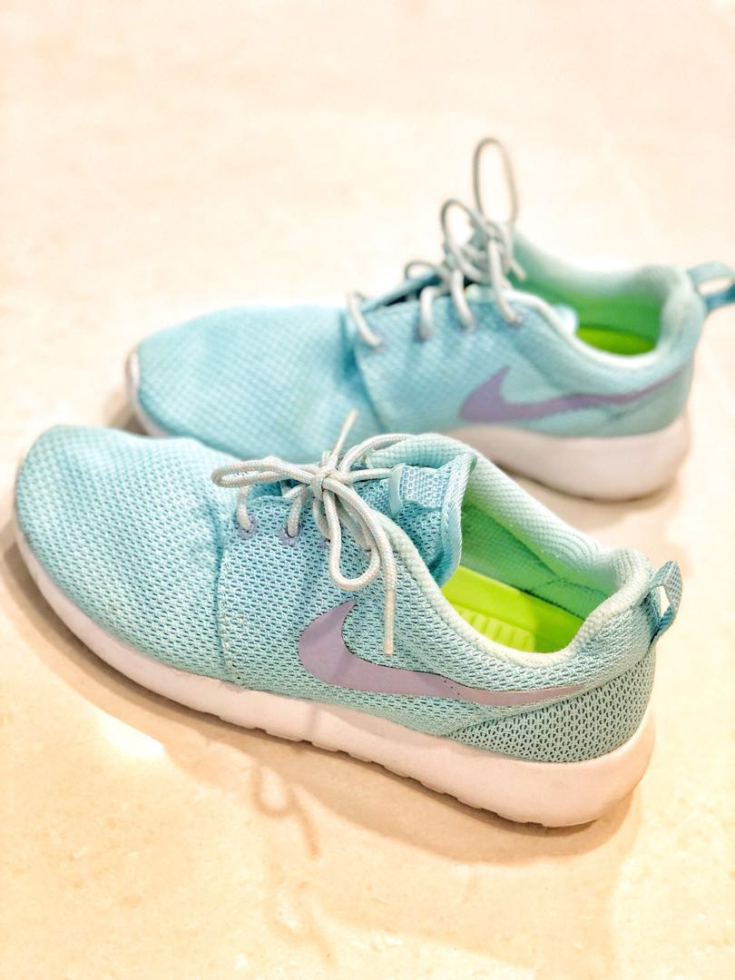 8aa34979c469 Authentic Nike limited edition sport shoes in Tiffany blue colour ...