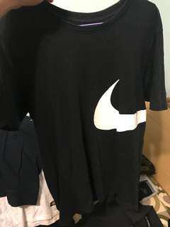 🚚 Nike大勾T