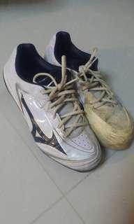 Mizuno White baseball / softball shoes( PLZ READ DESCRIPTION)
