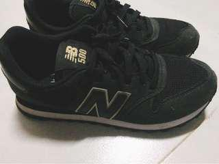 SALE ⚡️ New Balance 500 Classic - Black and Gold