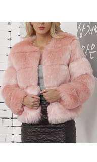 Super soft thick faux fur coat 🌸