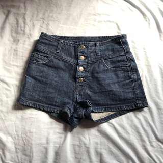🚚 深藍高腰四排扣短褲