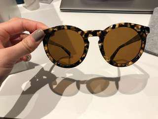 Bailey Nelson sun glasses