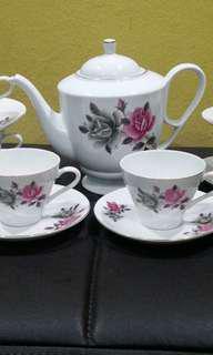 Vintage tea set bunga two tones