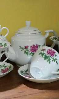 Vintage tea set bunga Teluki (carnation)