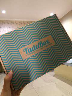 TADA BOX subscription box edisi book lovers