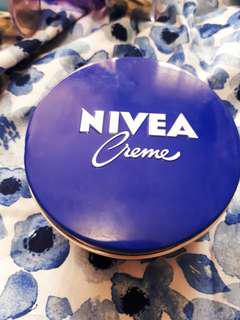 Nivea Creme 250ml - Made in Germany - Authentic