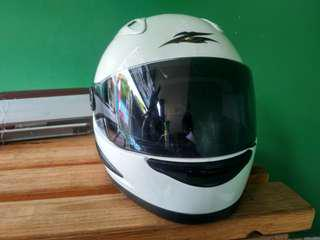 Helm Cargloss new