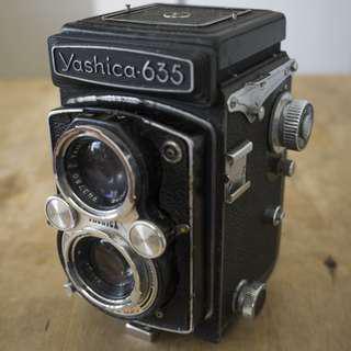 Yashica 635 full frame full manual camera