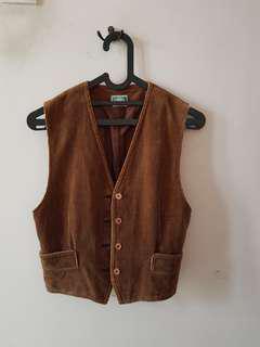 #mauiphonex Brown vest