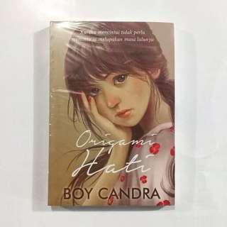 Novel Origami Hati karya Boy Candra