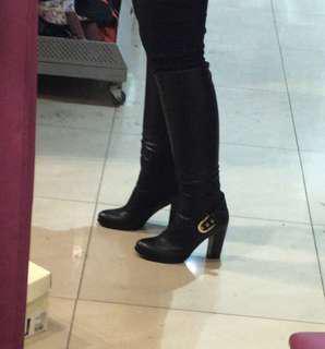 Sepatu boots kari russia