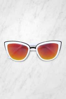 QUAY Australia My Girl Sunglasses White