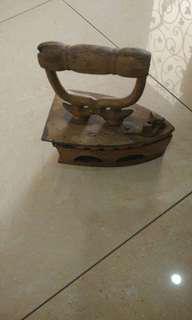 Antique Brass Iron (seterika tembaga)