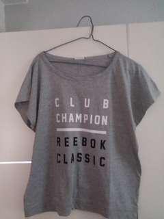 女裝運動T-shirt 中碼