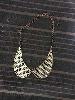 Rounded Collar Style Necklace